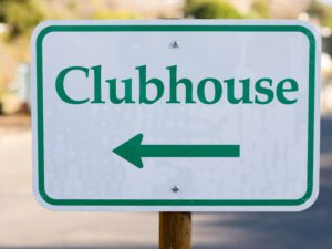 Clubhouse: il social del futuro prossimo? Quali rischi?
